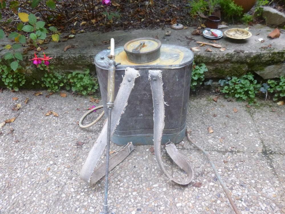 pulvérisateur cuivre pour décoration en bon état . 0 Saint-Malo-de-Phily (35)