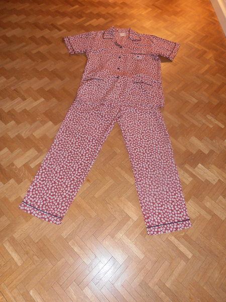 Pyjama bordeaux motifs marguerites (77) 12 Tours (37)
