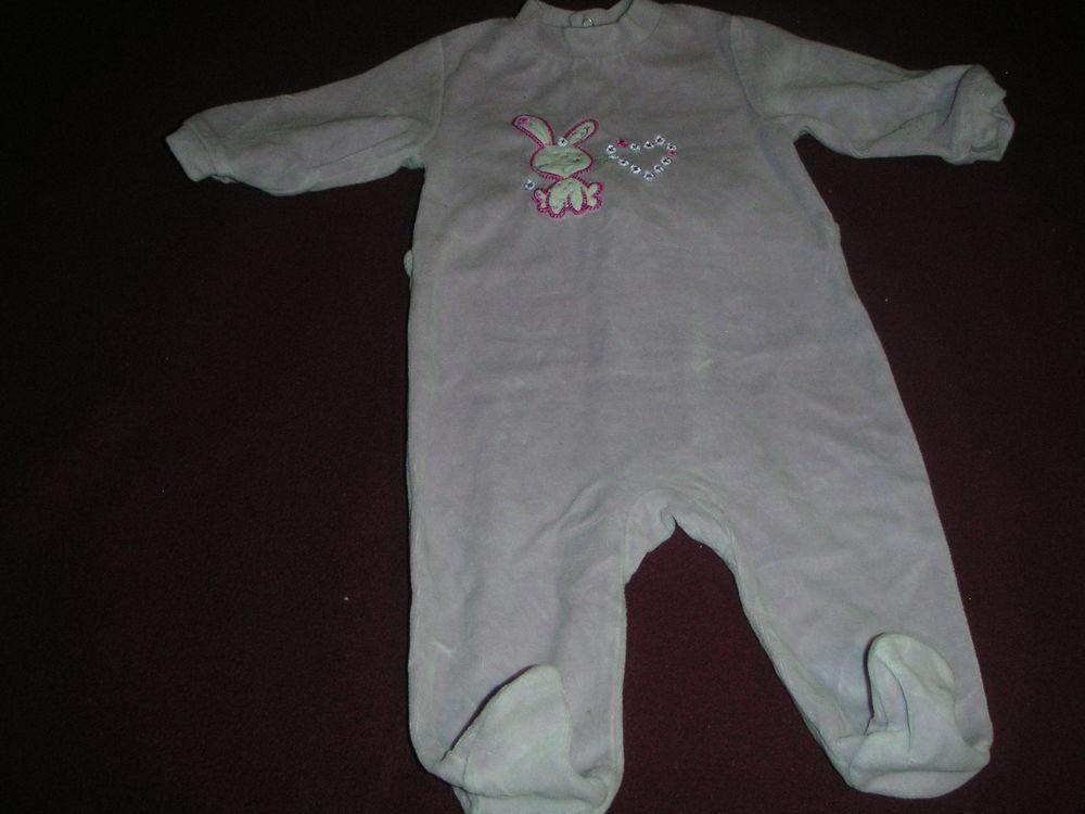 pyjama dors bien bébé taille 6 mois 2 EUROS 2 Durrenbach (67)