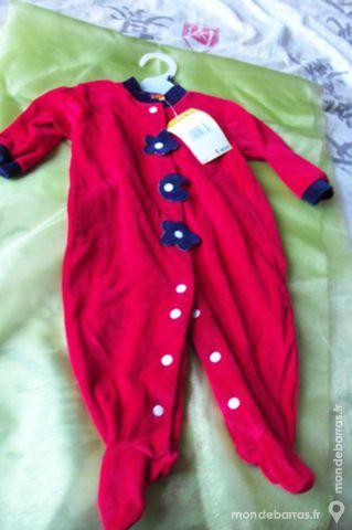 Pyjama pour bébé rouge 6 Goussainville (95)