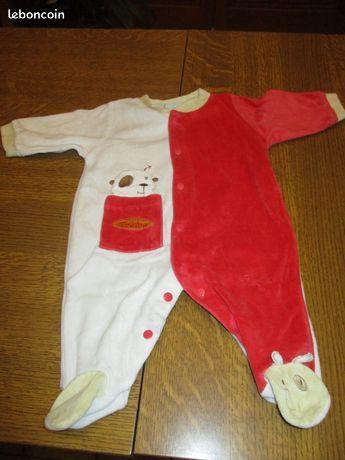 Pyjama rouge et blanc petit toutou 3 mois 0 Mérignies (59)