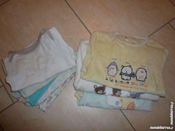 Lot pyjamas / bodies 24 mois (n°2) 15 Franqueville-Saint-Pierre (76)
