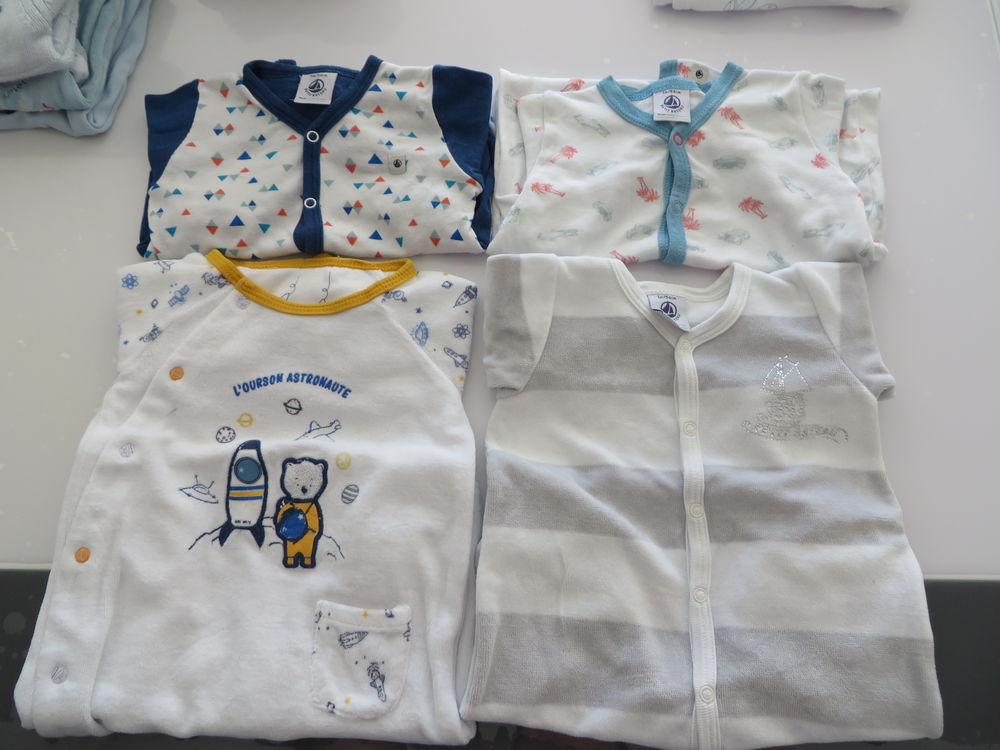 lot 1M Pyjamas, bodys et vêtements 25 Niort (79)