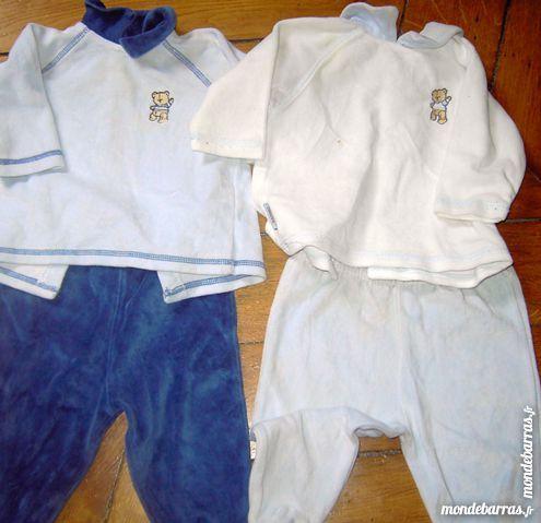 2 pyjamas 6 mois 5 Paris 9 (75)