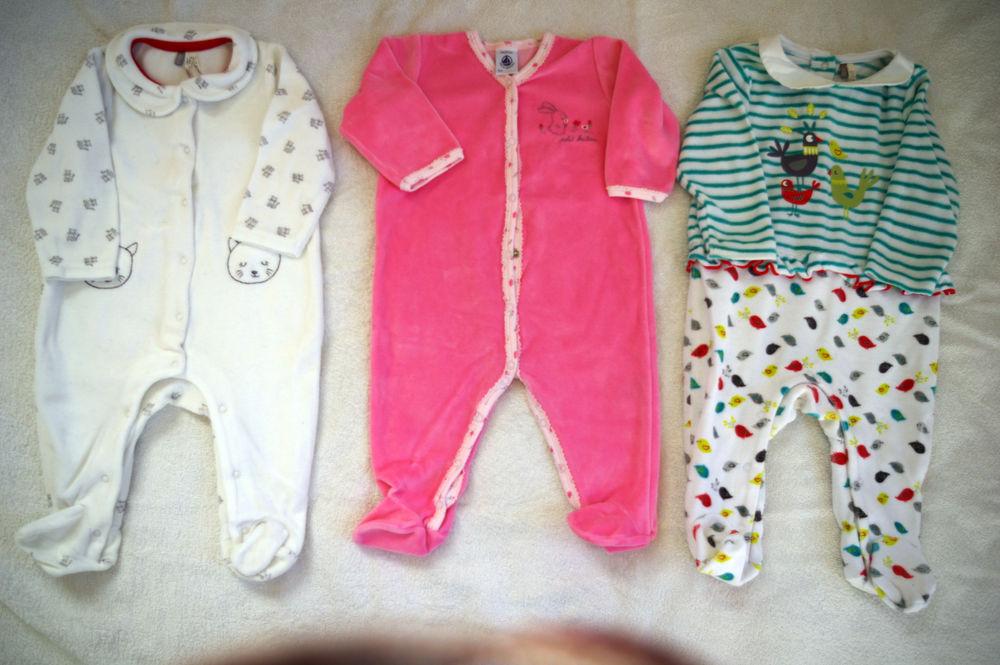 pyjamas taille 6 mois : 67 cm et 1 de 9 mois : 71 cm  10 La Fontonne (06)