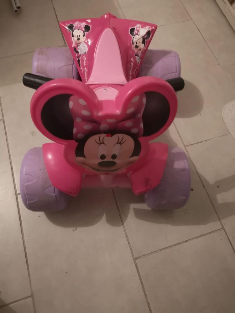 Quad electrique Minnie Disney  30 Lyon 7 (69)