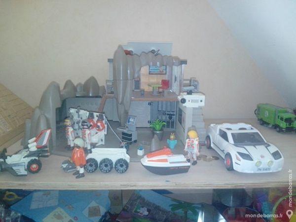 Quartier général agents secrets +voiture Playmobil 45 Hoymille (59)