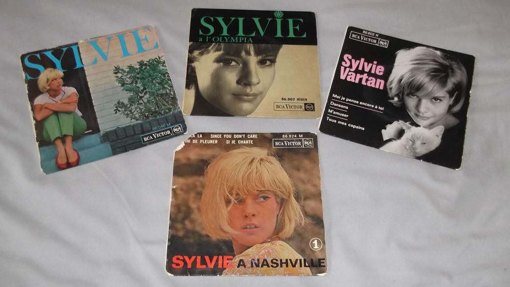 Quatre vinyls 45 tours Sylvie Vartan années soixante.  20 Saint-Etienne (42)