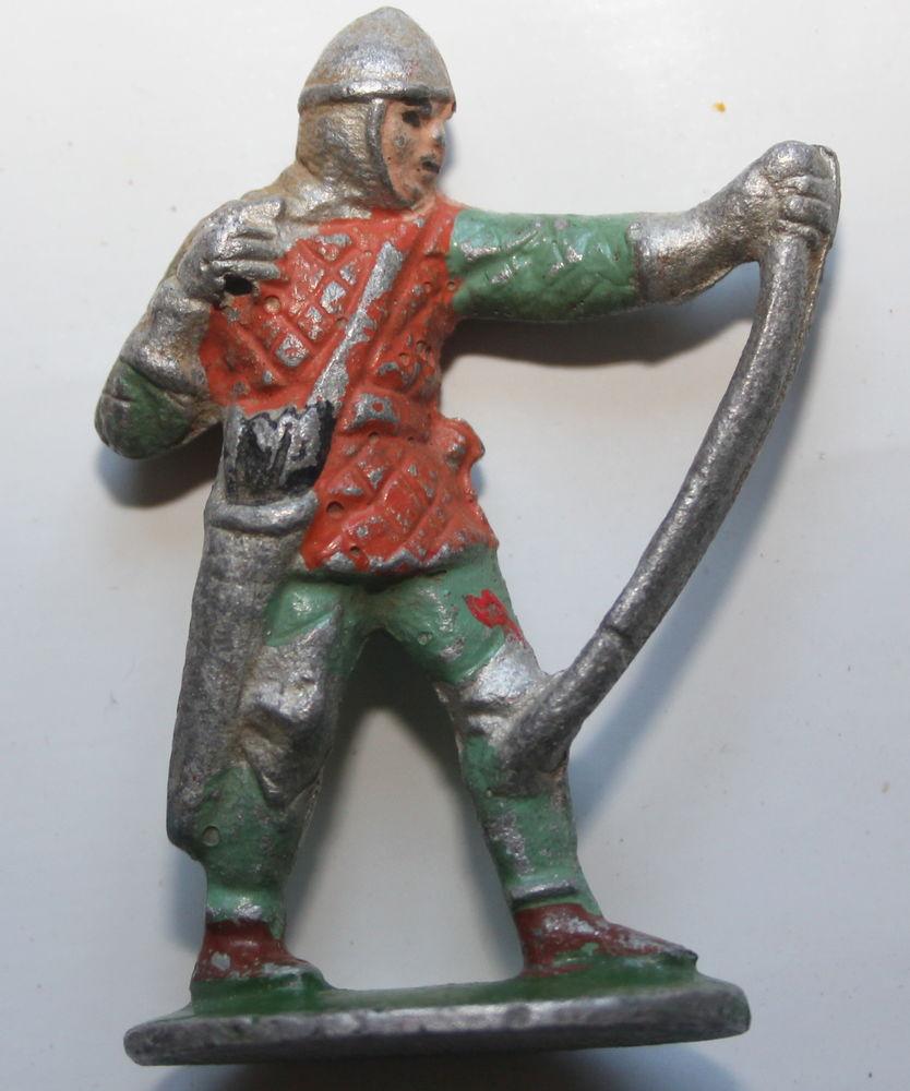 QUIRALU Chevalier Moyen Age archer anglais Long Bow guerre d 20 Issy-les-Moulineaux (92)