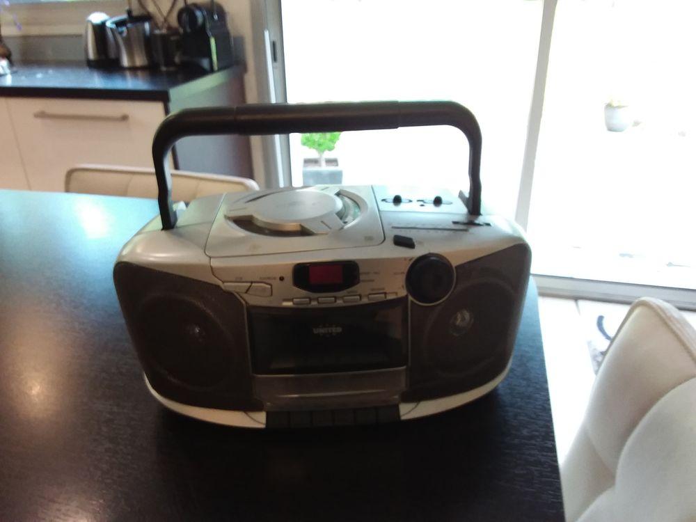 Radio Cassette Lecteur CD 35 Ploemeur (56)