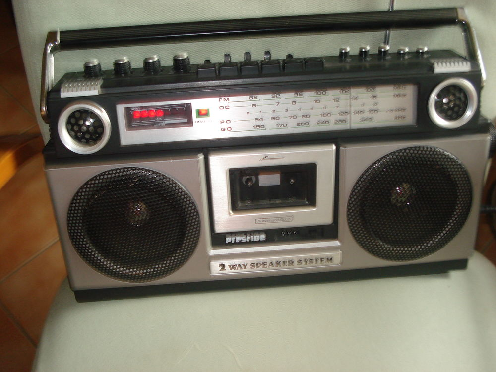 Radio cassette portable PRESTIGE BOX  2 x 2W 70 Fontenay-le-Fleury (78)