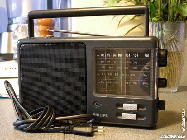 Radio PHILIPS D 2345, 5 gammes. 20 Épinay-sur-Seine (93)