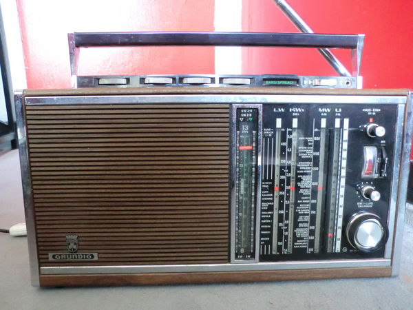 Real radio datant