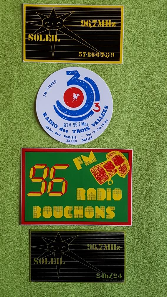 RADIOS FM PHOTO 28 0 Paris 11 (75)