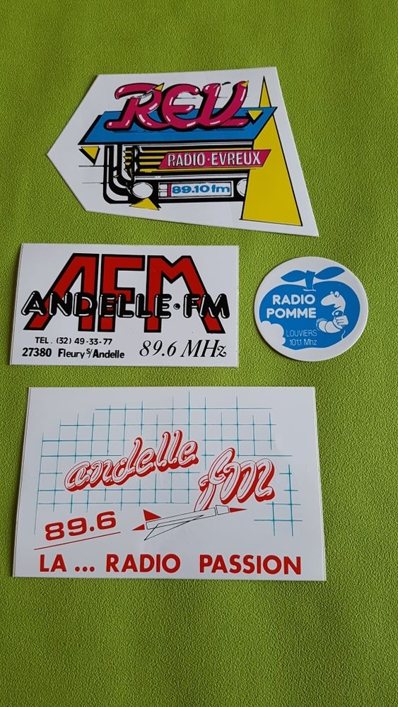 RADIOS FM PHOTO 27 0 Versailles (78)