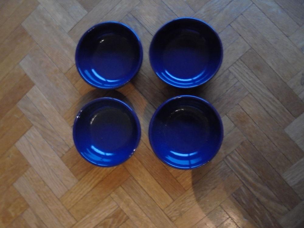 4 ramequins bleus (12) 3 Tours (37)