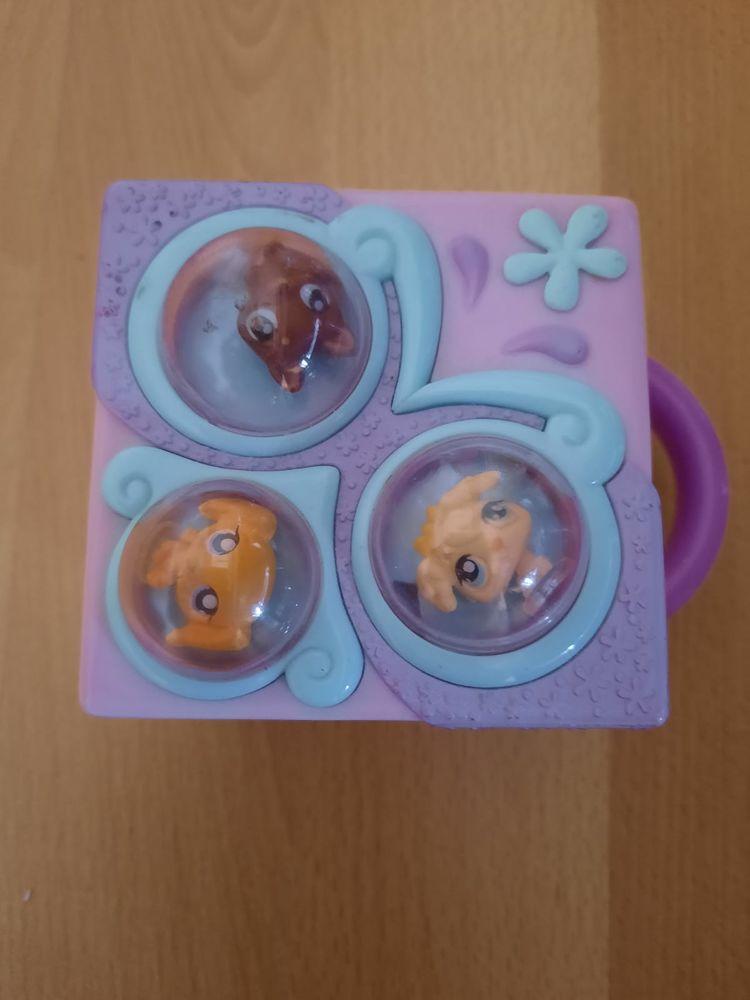 RARE!! MICRO MAISON PetShop CHIEN + 3 mini figurines en TBE 9 Briis-sous-Forges (91)