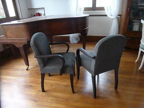 Rare paire de fauteuils bridge. Garniture à l'ancienne. 400 Saint-Cyr-sur-Morin (77)