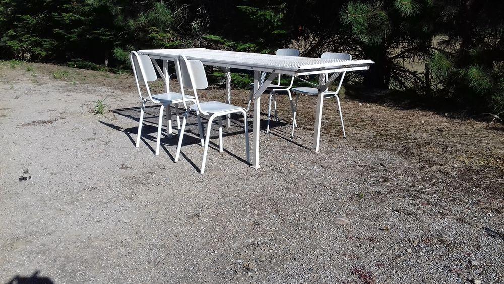 Rare Table extérieur terrasse démontable 4 chaises 199 Saint-Clair-sur-Galaure (38)