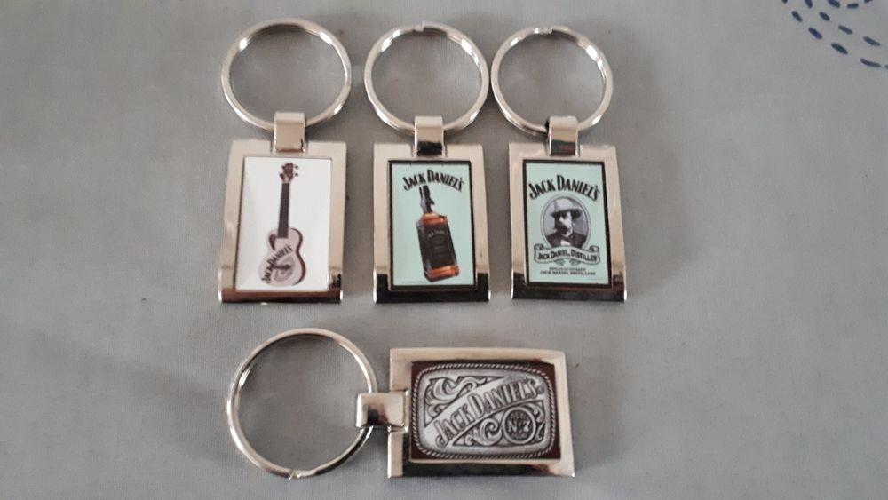 Rares portes clés JACK DANIELS  - Lot ou détail 7 Villemomble (93)