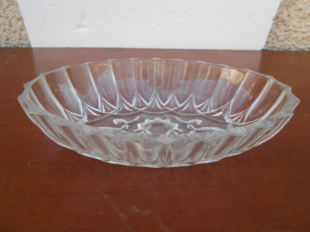 RAVIER ovale verre ciselé  3 Dammarie-les-Lys (77)