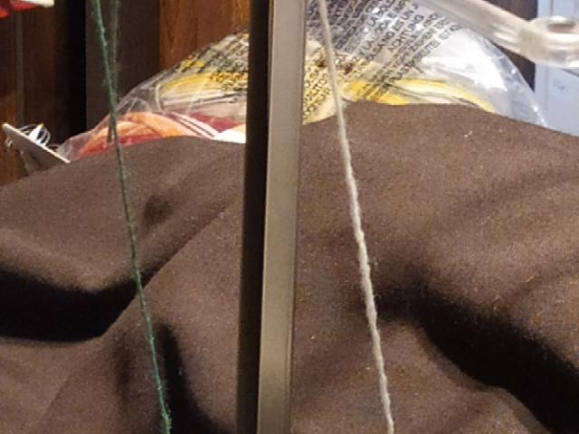 Recherche des mats pour guides fils de machine a tricoter  0 Autry-Issards (03)
