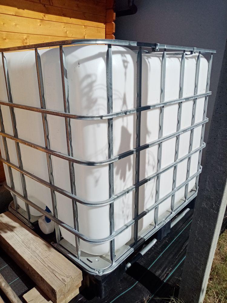Recuperateur d'eau 1000 Litres, en très bon état.  85 Romagné (35)