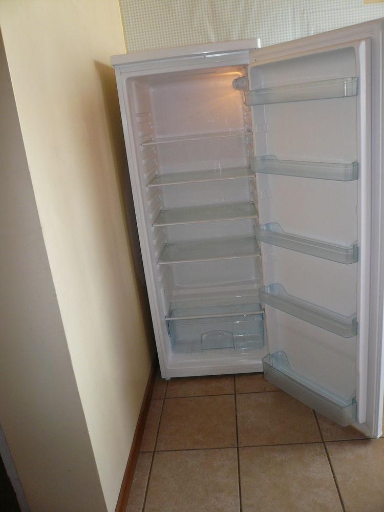 Réfrigérateur 240L uppercold 220 Saint-Laurent-en-Grandvaux (39)