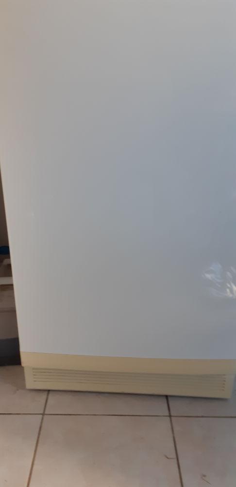 Réfrigérateur blanc 0 Saint-Pierre-le-Vieux (85)