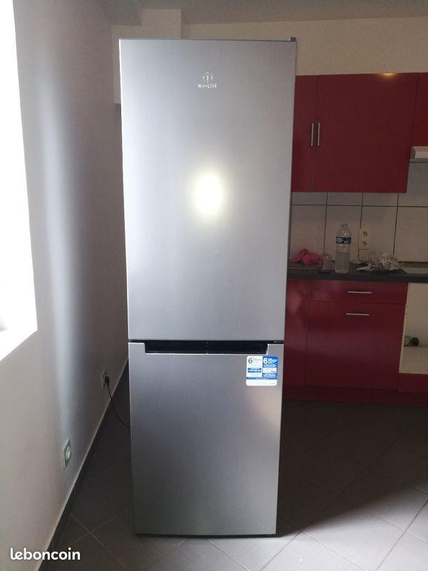 Réfrigérateur/congélateur Indesit XI8T1IX No Frost 250 Survilliers (95)