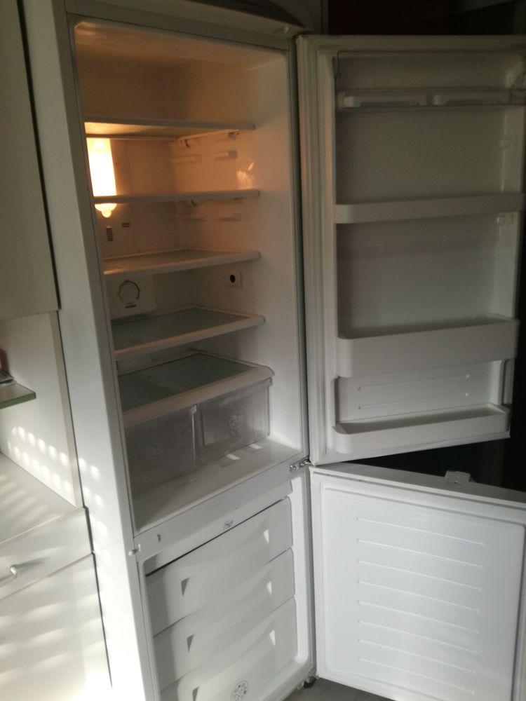 Réfrigérateur congélateur de marque Daewoo, nofrist muli-flo 110 Saint-Herblain (44)