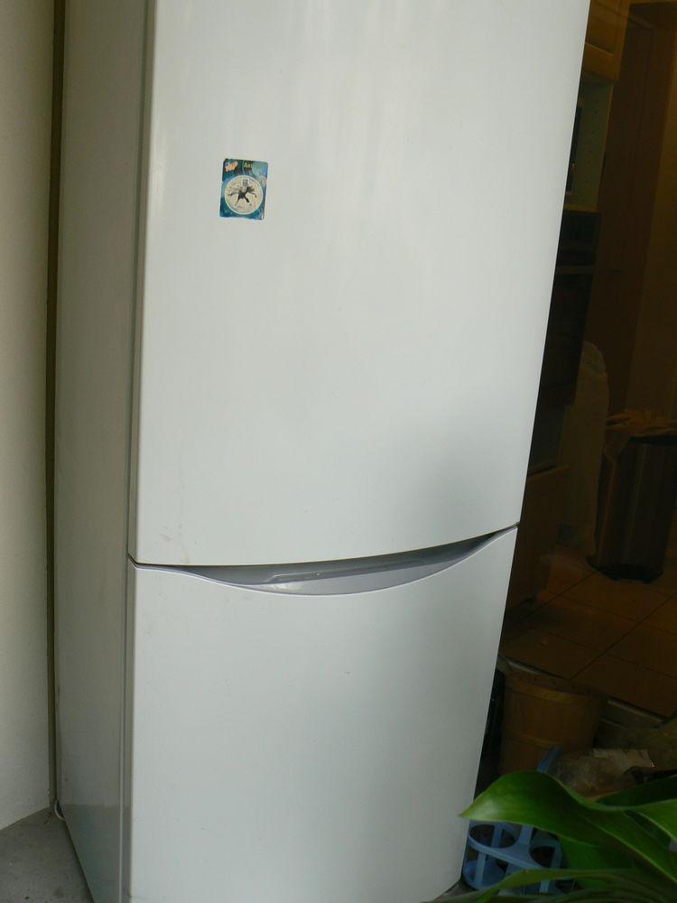 refrigérateur congélateur 300 Nanterre (92)