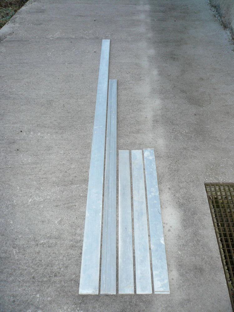 lot de 5 règles aluminium 3 de1m/2m/3m 50 Saint-Laurent-en-Grandvaux (39)