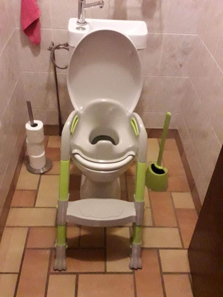 Réhausse pour toilette pour enfant. 10 Saint-Florent-des-Bois (85)