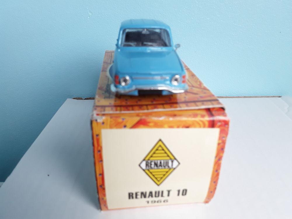 Renault 10 1966 12 Gometz-la-Ville (91)