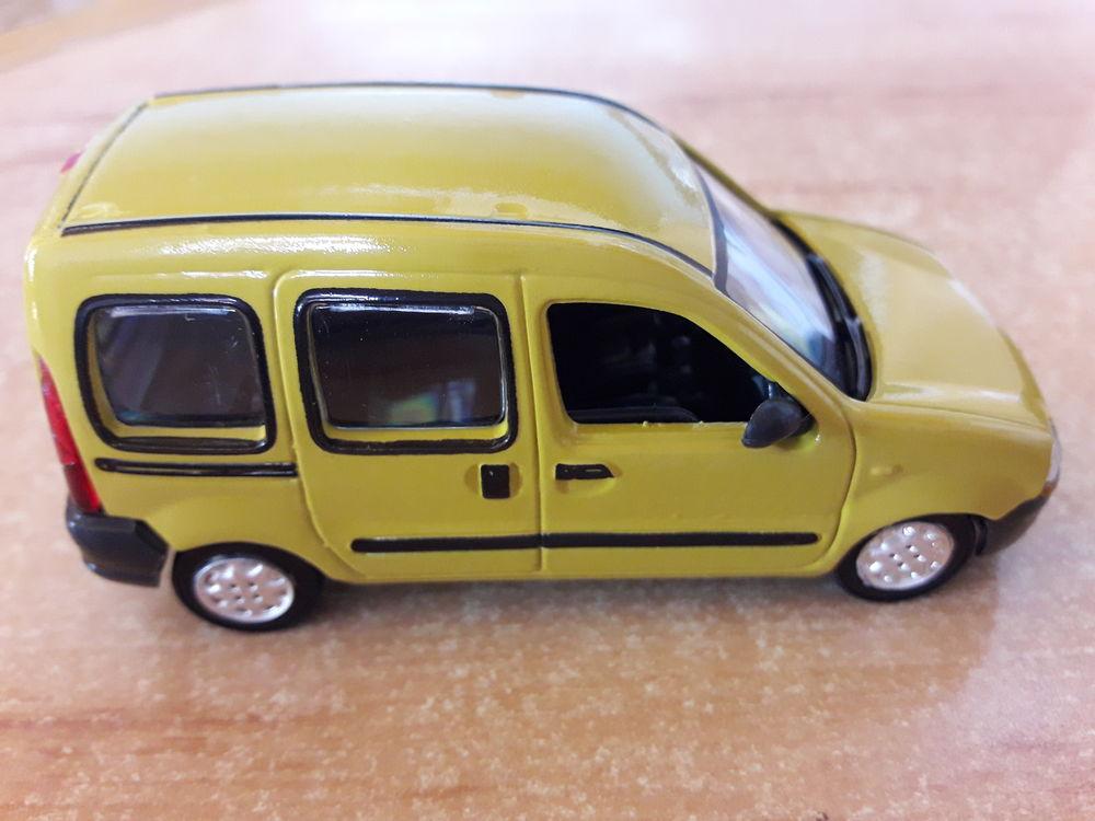 Renault kangoo 1/43 + Le fascicule n° 53 + boite marque soli