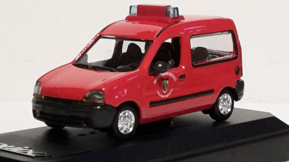 Renault Kangoo tôlé pompiers 18 Follainville-Dennemont (78)