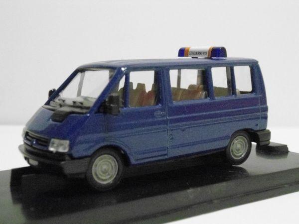 Renault Trafic vitré Gendarmerie VEREM 24 Follainville-Dennemont (78)