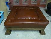Repose pied ou table basse en cuir 250 Brunoy (91)