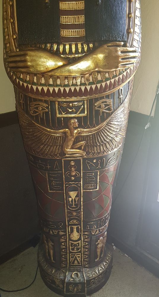 REPRODUCTION D'UN SARCOPHAGE DE REINE D'ÉGYPTE   700 Bar-sur-Seine (10)
