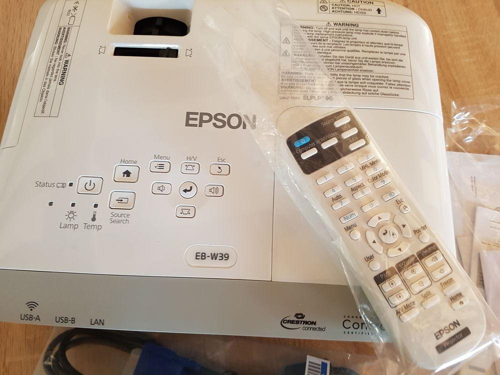 Rétroprojecteur EPSON Neuf jamais utilisé toujours emballé  0 Videlles (91)