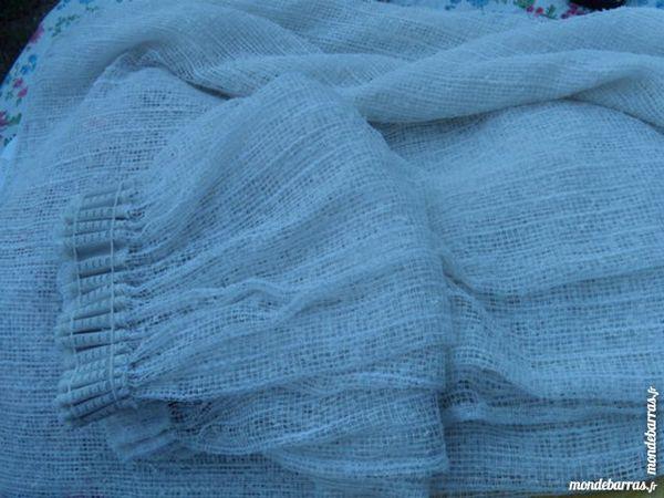 rideaux occasion dans l 39 ain 01 annonces achat et vente de rideaux paruvendu mondebarras. Black Bedroom Furniture Sets. Home Design Ideas