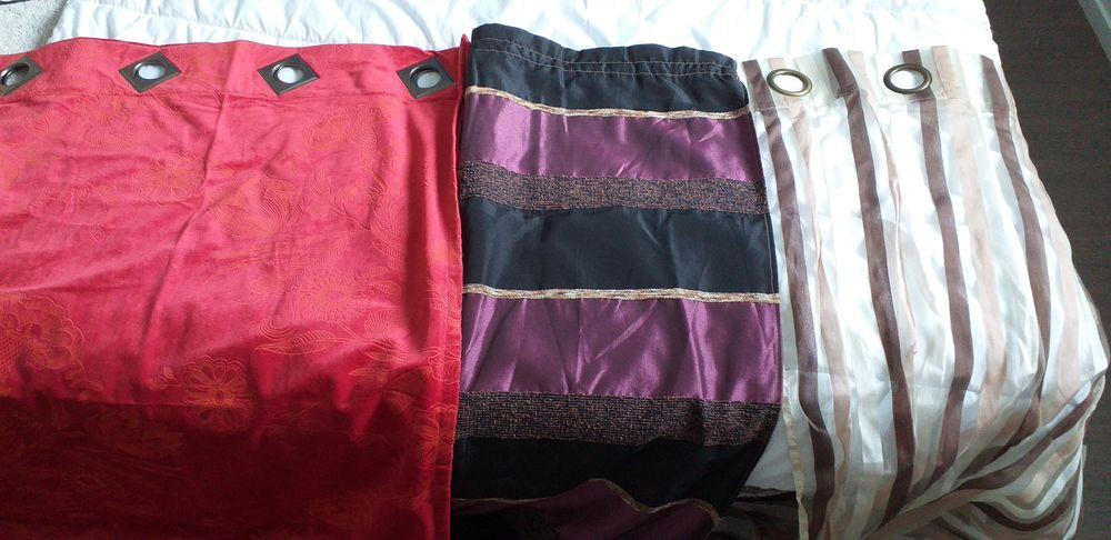 Lot de rideaux et couvre lit Décoration
