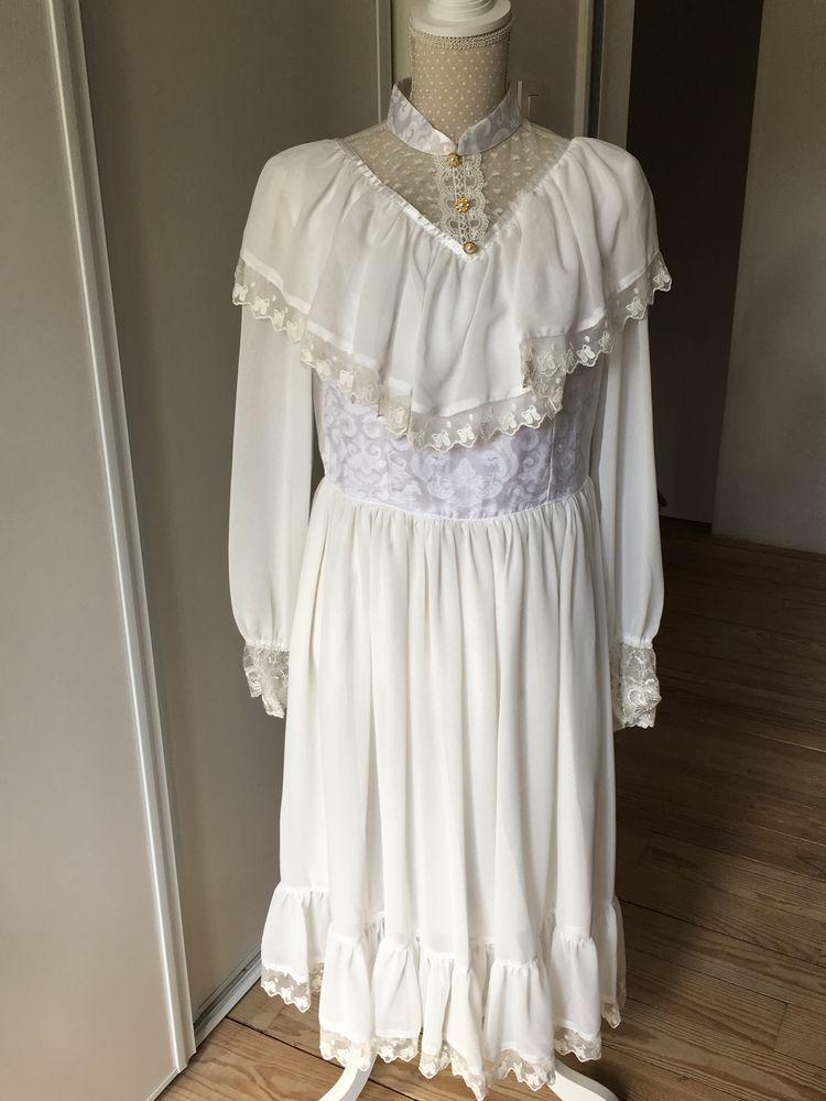 Robe ancienne blanche Vêtements