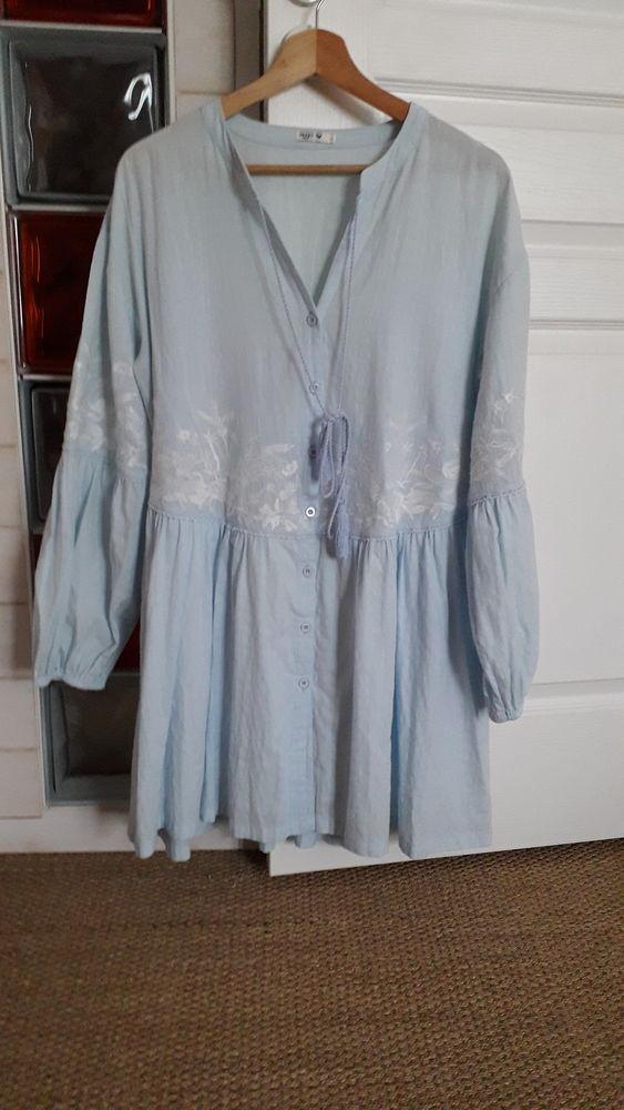 Robe avec broderie 15 Saint-Nazaire (44)