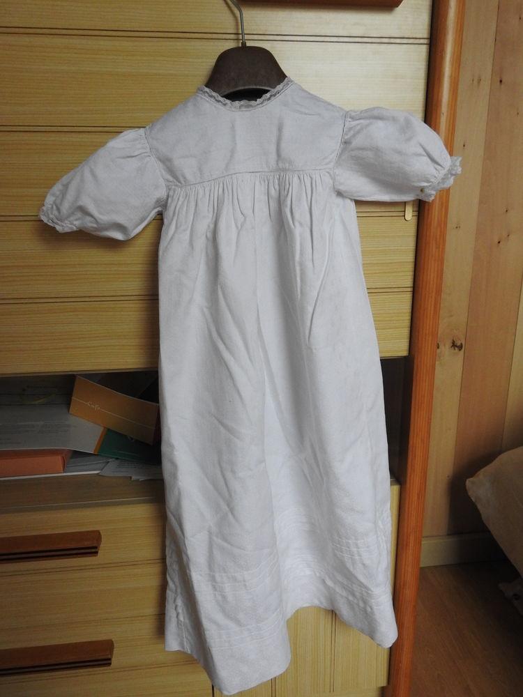 robe de baptême (ancienne avec dentelles) 40 Le Mans (72)