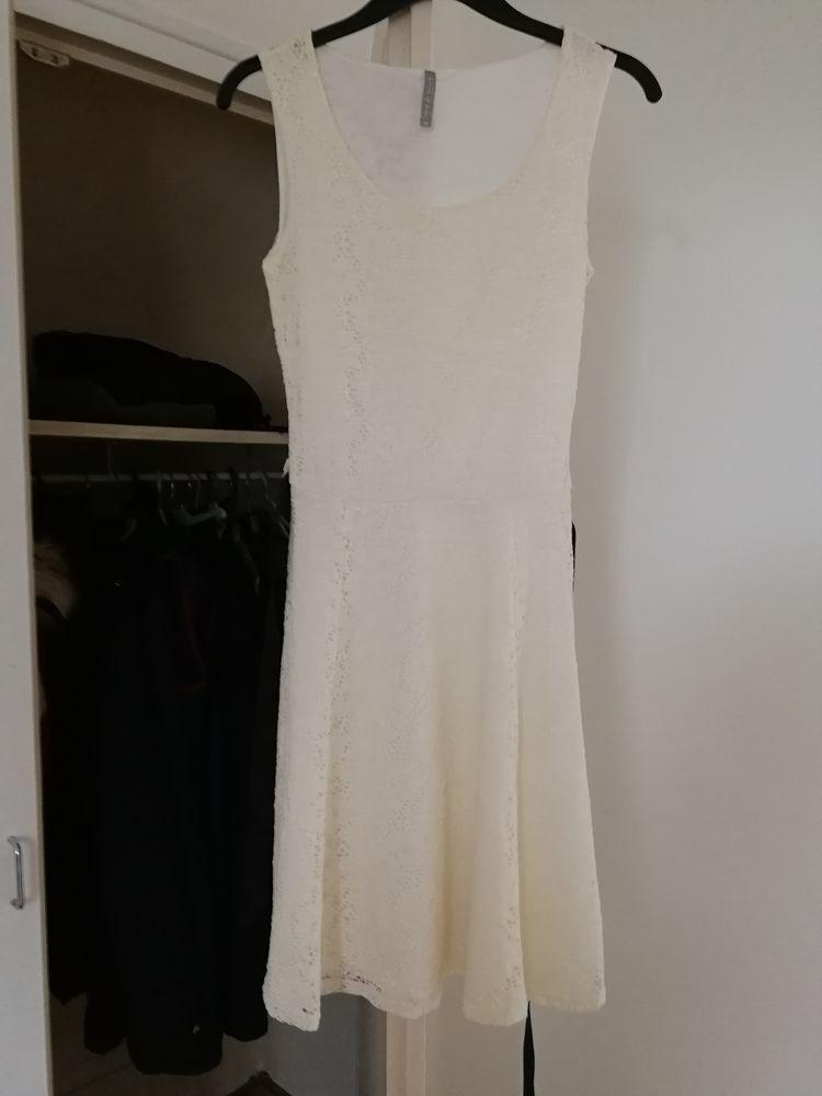Robe blanche 20 Plœuc-sur-Lié (22)