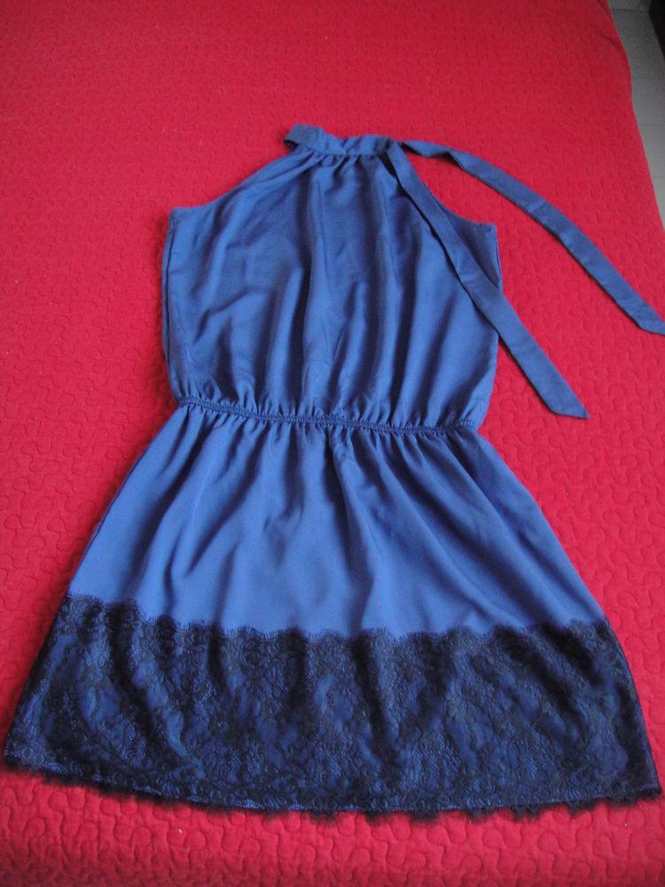 Robe bleue et noire avec dentelle Promod 10 La Garde (83)