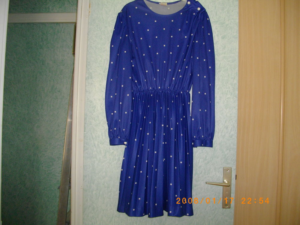 ROBE BLEUE - TAILLE : 46 15 Perros-Guirec (22)