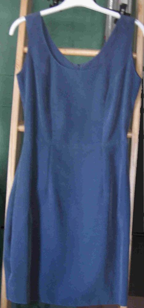 Robe bleue 15 Toulon (83)